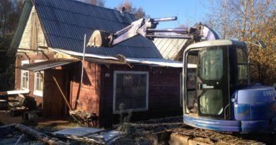 сколько стоит демонтаж деревянного дома
